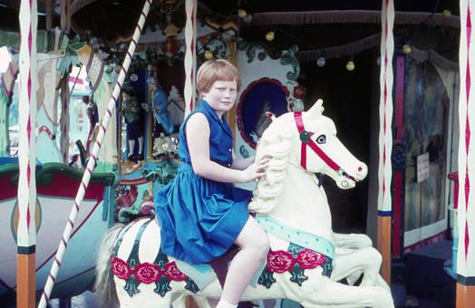Mädchen im Karussell