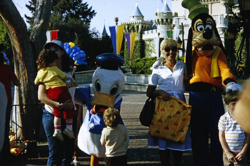disneyland, disneyworld, donald duck, goofy, kind, Kindheit