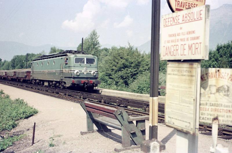 bahn, Bank, Güterzug, Schienen, Schild, zug