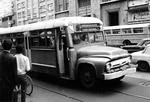 Bus auf der Straße