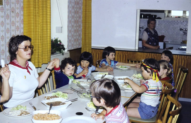 Eröffnung, kind, Kindergarten, Kindertagesstätte Zahlbach, Kindheit, Kita, Mittagessen, Piep, piep, piep, wir haben uns alle lieb., teller
