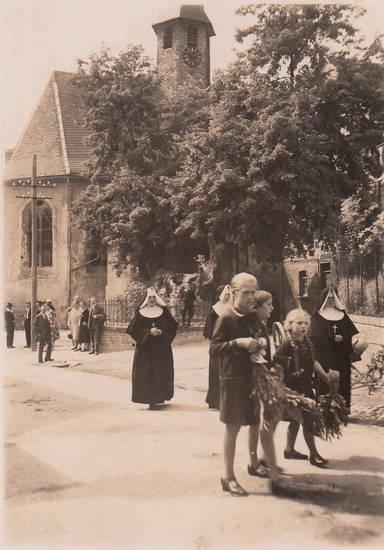 Kindheit, kirche, nonne, Zweig
