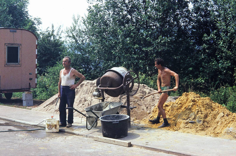 Bau, Baustelle, Bauwagen, Betonmischer, gartenschlauch, Hausbau, schaufel, zementmischer