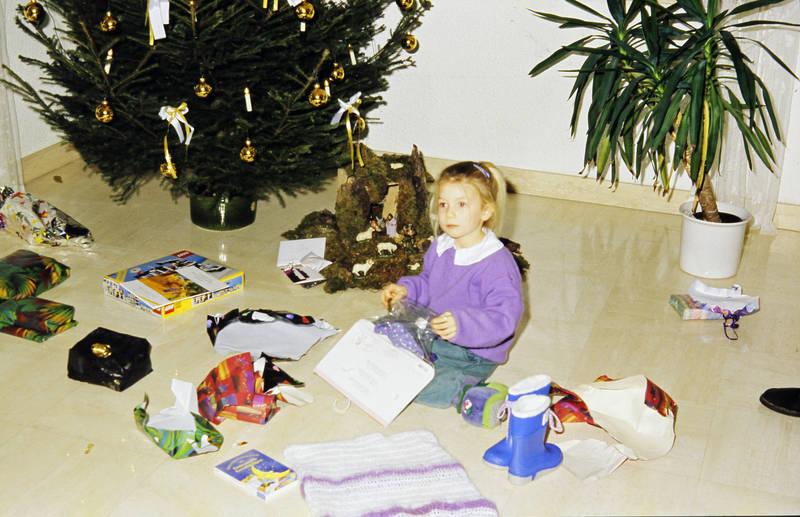 auspacken, geschenk, Gummistiefel, kind, Kindheit, lego, Weihnachten, Weihnachtsbaum