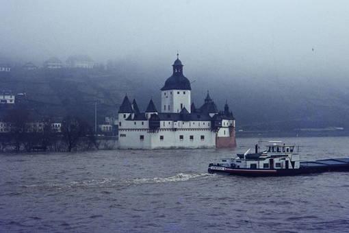 Pfalzgrafenstein im Hochwasser