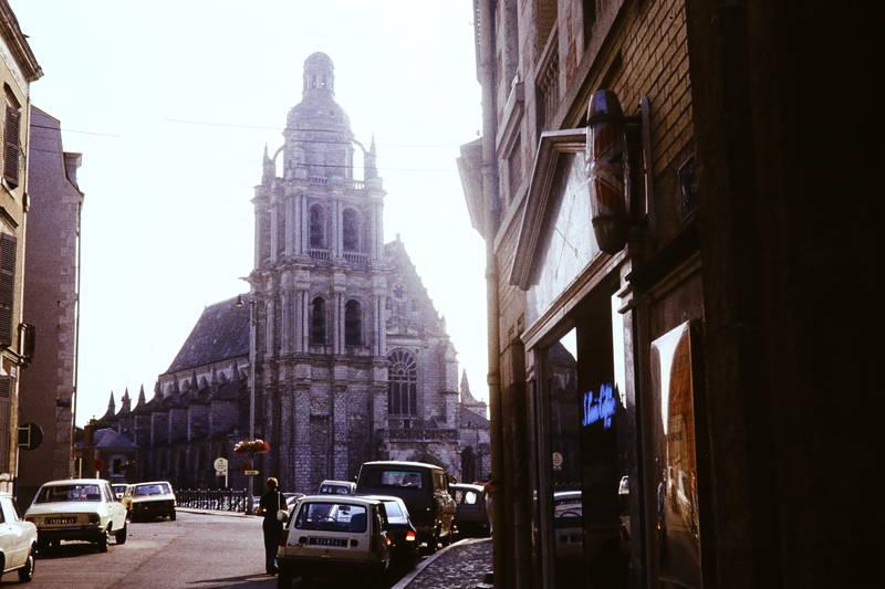auto, Blois, Frankreich, Kathedrale St. Louis, KFZ, kirche, Kirchturm, PKW