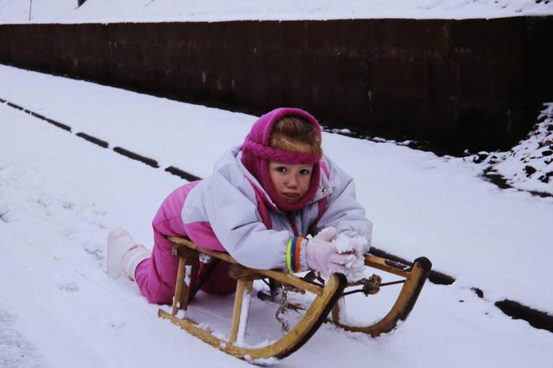 Kindheit, schlitten, schnee, winter
