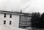 Gebäude im Aufbau