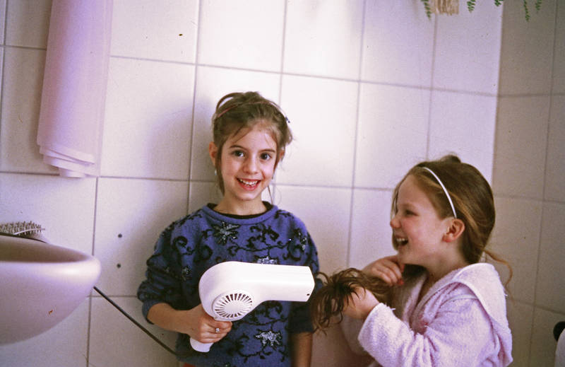 badezimmer, Föhn, freunde, frisur, haare, Kindheit, spielen