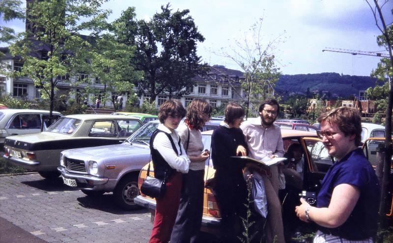alfasud, auto, Brille, Buch, kadett-b, KFZ, mazda, mercedes-w123, Opel, Parkplatz, PKW, VW-Käfer