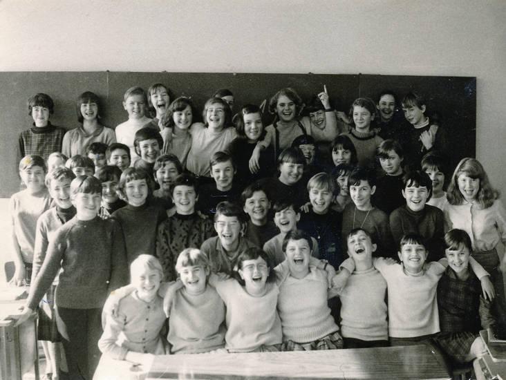 Klasse, Klassenfoto, lachen, schule, Schulklasse, tafel