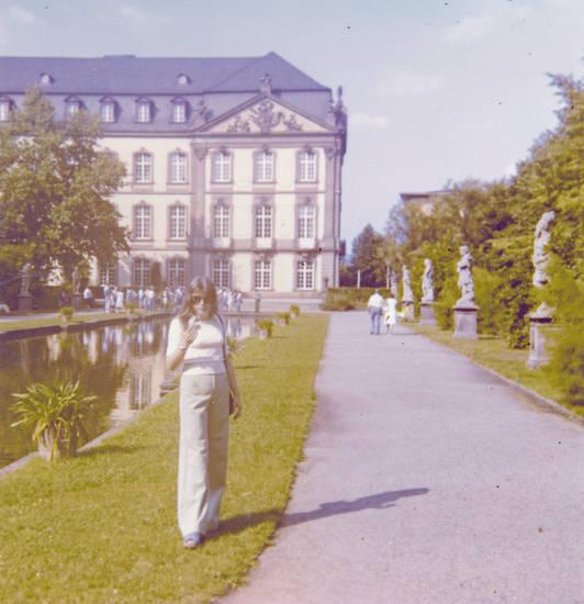 ausflug, kurfürstliches palais, Palastgarten, park, schlaghose, Schloss, Schlossgarten, sonnenbrille, Trier