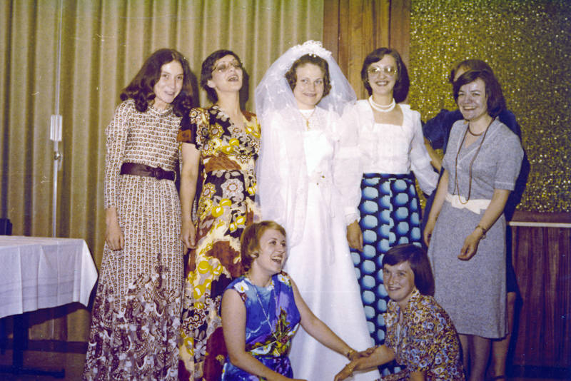 Braut, Brautjungfern, brautkleid, Freundinnen, freundschaft, kleid, mode