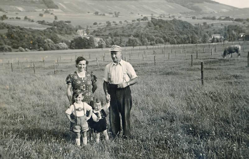 familie, Kindheit, lederhose, mütze, wiese
