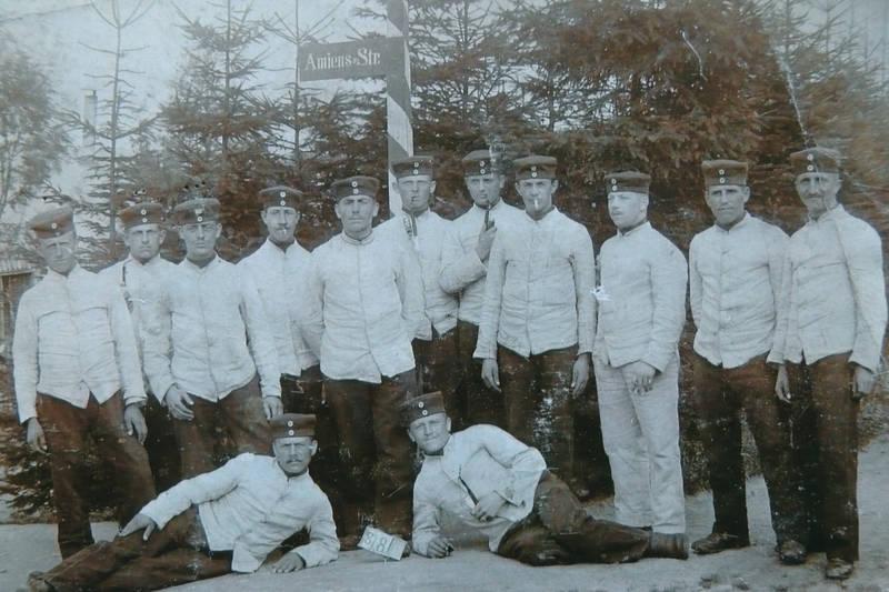 Amiens-Str., Deutsches Heer, Gruppenbild, kaiserreich, Pfeiffe, rauchen, soldat, Uniform, zigarette