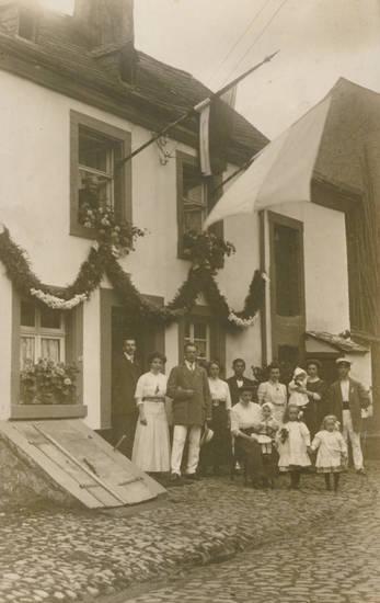 fahne, Fahnenweihe, familie, gruppe, haus, St. Josefstraße, Trier, TVG Biewer