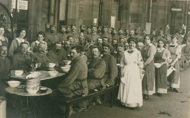 1.Weltkrieg, Erster Weltkrieg, Frankreich, kantine, Krankenschwester, Militär, Nur für Militär, rotes kreuz, soldat, straßburg, Uniform