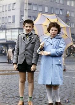 Mit Schirm, Charme und Mütze