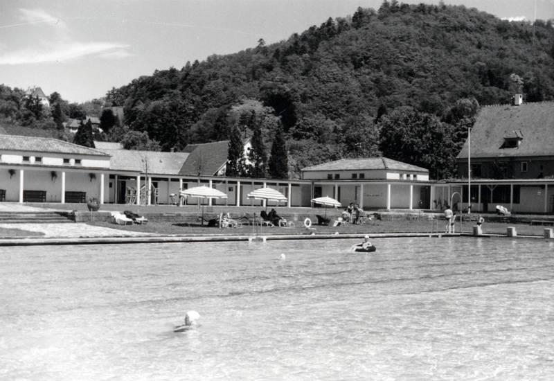 baden, Sonnenschirm, Thermalbad, Thermalsportbad, Wasserbecken