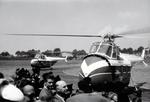 Hubschrauber auf dem Feld