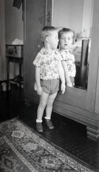 Vor dem Spiegel
