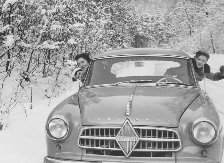 auto, autolenkrad, Borgward, borgward hansa 1500, familie, hansa 1500, isabella, KFZ, Kindheit, lenkrad, mütze, PKW, schnee, winter, Winterklamotten, Winterkleidung, Winterspaß