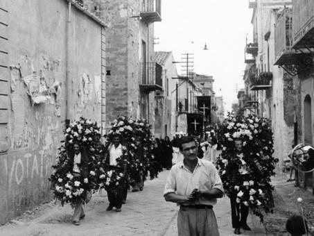 Beerdigung in Sizilien