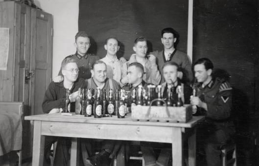 Vor den Bierflaschen