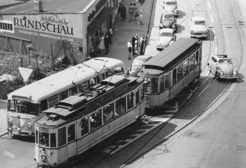 Bus-und-Bahn-Stau