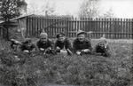 Soldaten im Gras