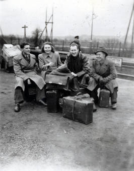 Gruppe mit Koffern