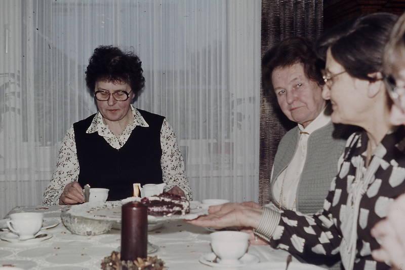 ältere Dame, Gardine, kaffee, kaffeeklatsch, Kerze, kuchen