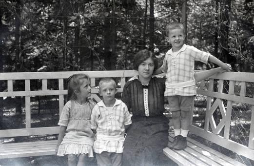 Mit drei Kindern