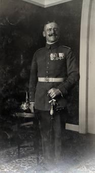 In Soldatenuniform