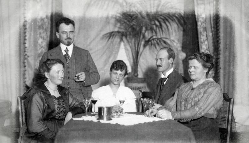 Duisburg, Glas, Krawatte, rauchen, tisch, Weinglas, Zigarre