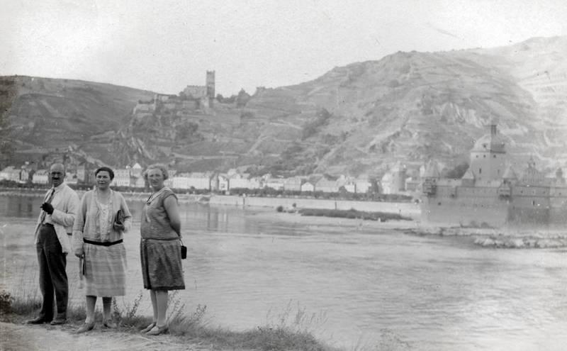 burg, Burg Gutenfels, Hemd, Krawatte, rock, Ufer
