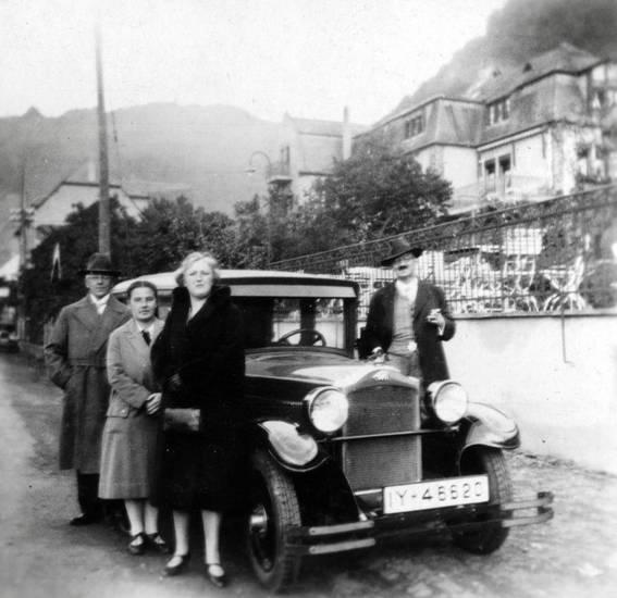 auto, brodenbach, hotel zur Post, hut, KFZ, mantel, PKW, straße