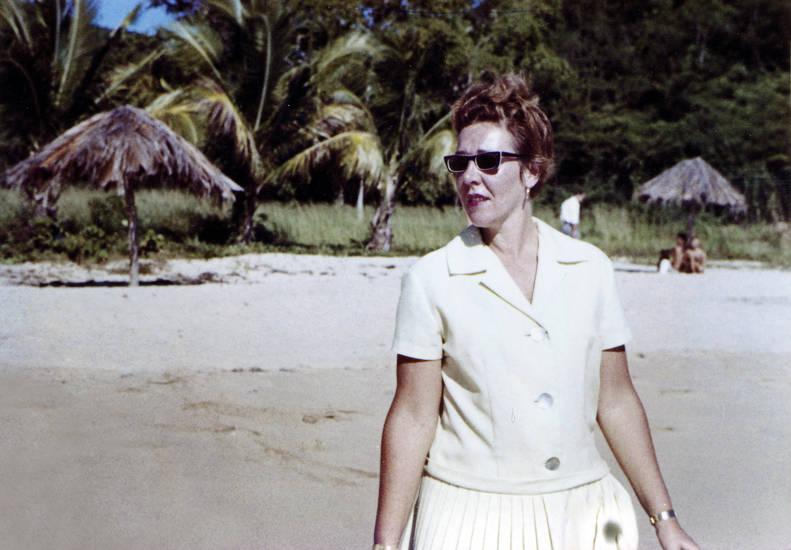 Amerika, Brille, Faltenrock, mode, reise, rock, schirm, sonnenbrille, Strohschirm, Südamerika, urlaub, Urlaubsreise