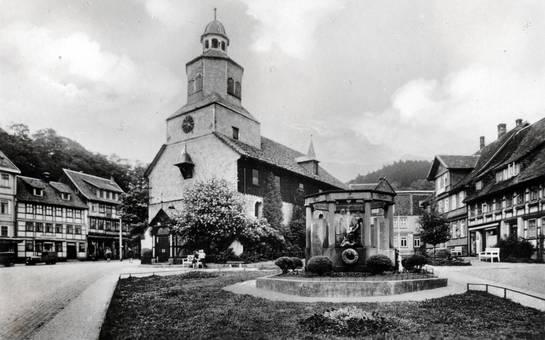 St. Antonius mit Brunnen