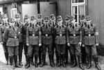 Uniformierte RAD-Männer