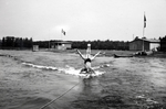 Akrobatisches Wasserski