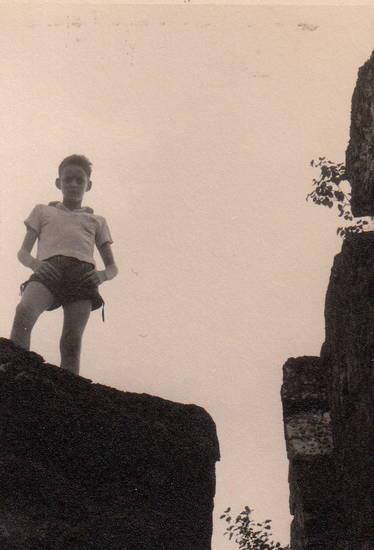 Fels, hunsrück, Kindheit, lederhose, Wanderung