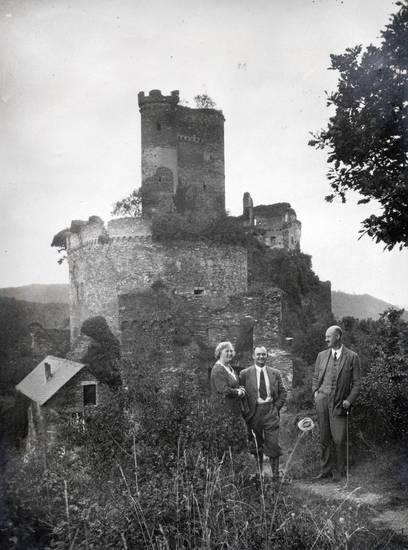 anzug, brodenbach, burg, Ehrenburg, gehstock, haus, hut, Krawatte