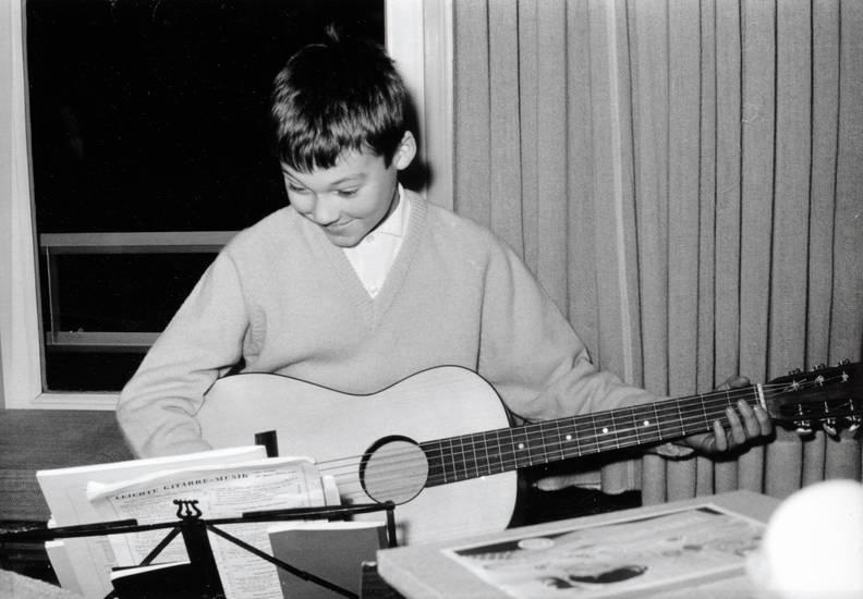 Gitarre, Hehlrath, instrument, Kindheit, musik, musizieren, notenständer