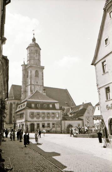 kirche, Kirchturm, Pfarrkirche St. Bartholomäus und St. Georg, Platz, stadt, straßenschild, Volkach, Würzburg