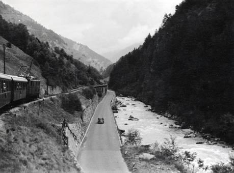 Zug an der Rhône