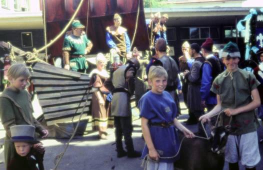 Kinder & historische Kostüme
