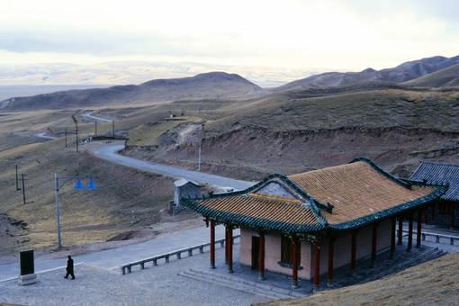 Tempel bei den Hügeln