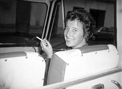 Rauchende Beifahrerin