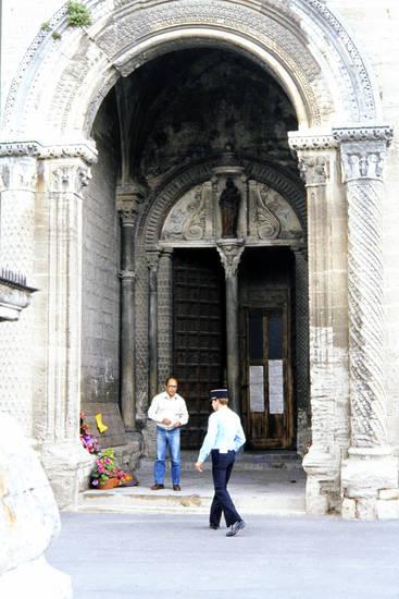Blume, Eingang, kirche, Le Thor, Notre-Dame-du-Lac, Vorhalle